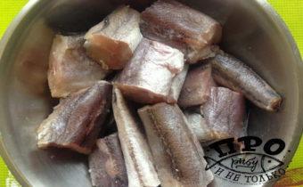 Как вкусно приготовить хека на сковороде - рецепт с фото