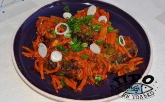 тушеная сайра с морковью и луком