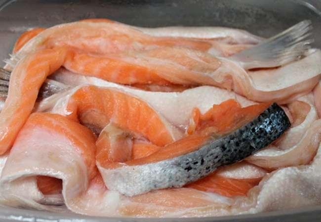 как засолить брюшки красной рыбы