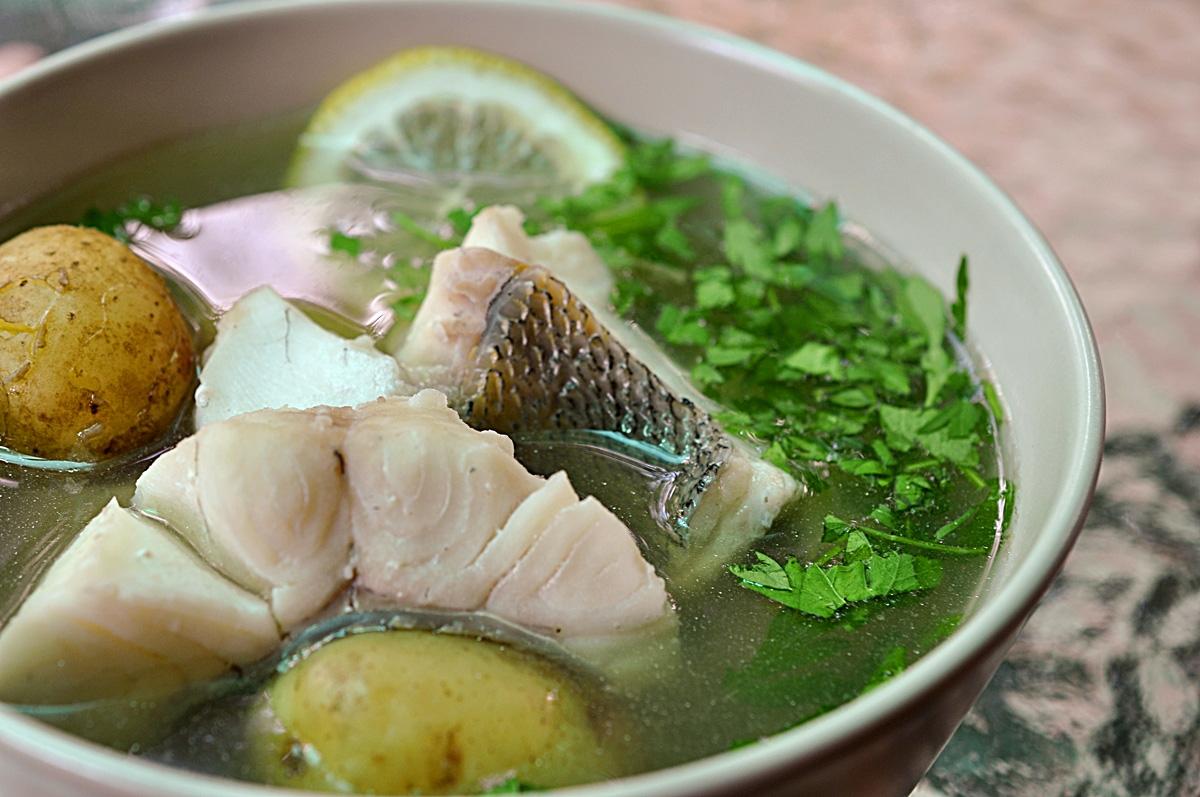 рыбный суп из головы